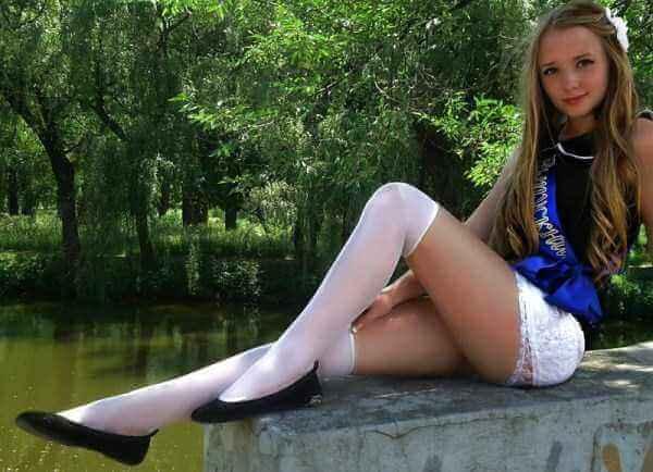 фото выпускниц в чулках