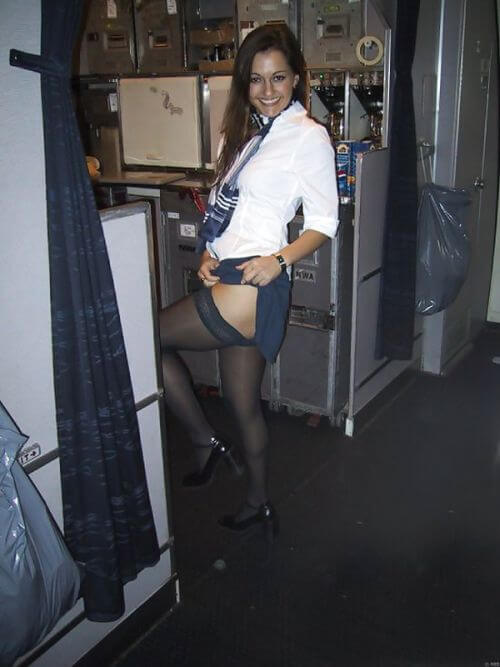 стюардессы в чулках