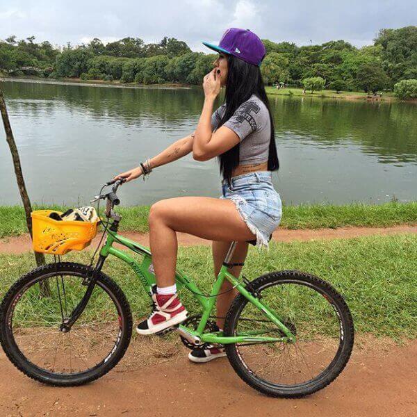 девочки велосипедистки