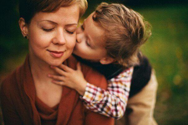 Мама с подругой захотели молодое тело сына
