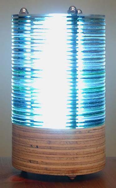 светильник из старых компакт-дисков