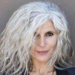 Почему седеют волосы на голове у молодых и у пожилых людей