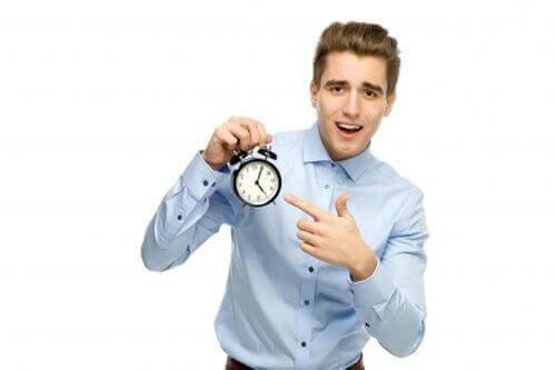 как подарить часы человеку
