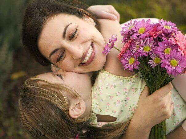 мама стихи трогательные от дочери и сына